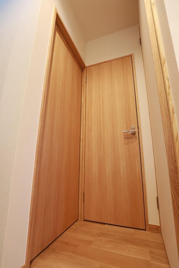 トイレ造作ドア